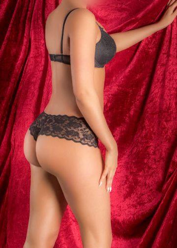 Sophia Busty Cardiff Escort