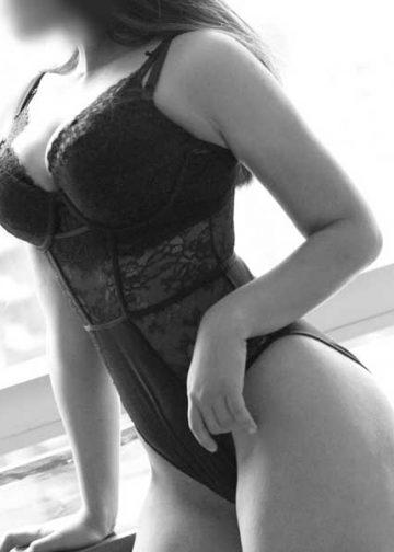Sophia Brunette Cardiff Escort